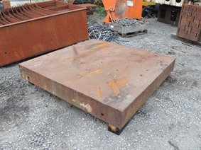 Table 2010 x 2010 x 260 mm, Tables & Floorplates