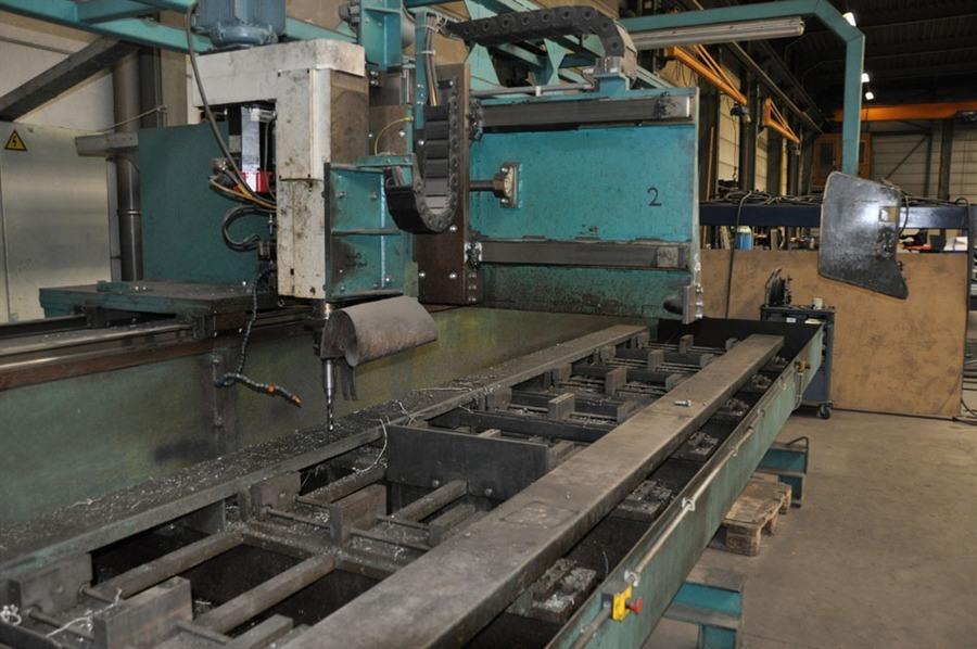 Fanuc - CNC drill- & milling line X: 8000 mm   Bed milling