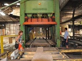 Becker panel press 650 ton, Presses d'emboutissage a 2 montants