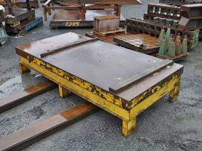 Work table 2000 x 4010 mm, Piastre e basamenti