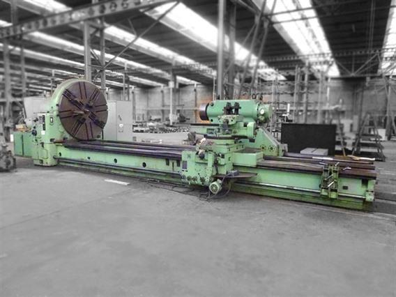 Skoda SR Ø 2000 x 6500 mm, Centre lathes