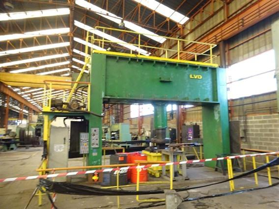 LVD CN 400 ton dish end forming, Flanging presses