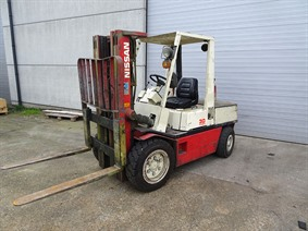 Nissan 3 ton, Vehicles (lift trucks - loading - cleaning etc)
