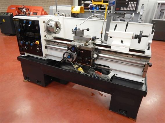 Arlo Ø 360 x 1000 mm, Centre lathes