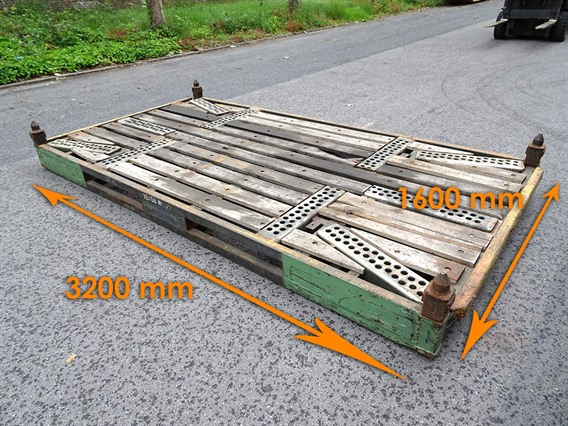 Steel pallets 3200 x 1600 x 200 mm, Various