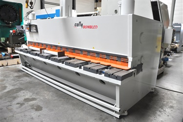 Colly shear sold to French customer